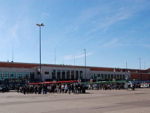 treni aerei autobus verona pasqua foto